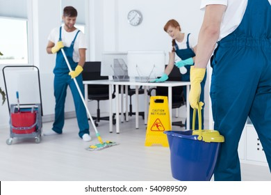 NEED WEEKEND CLEANERS TO START THIS WEEK – up to 18/hr, Paid Weekly