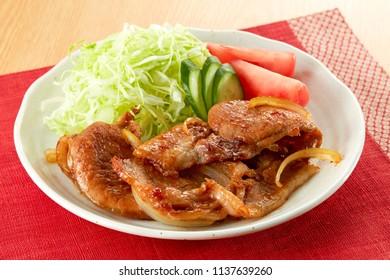 Buta no shogayaki (Stir fried pork with ginger)