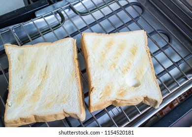 Buttered toast on electric grill
