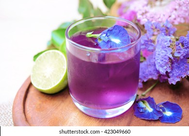 Butterfly pea with lime juice, cold drink