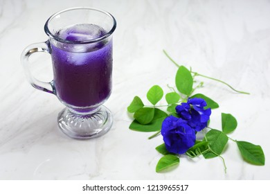 Butterfly pea tea with ice
