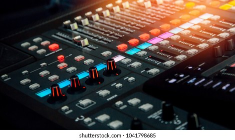 button volume on mixer in dj studio