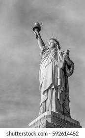 B&W liberty statue