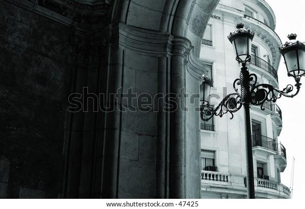 B&W streetlamp