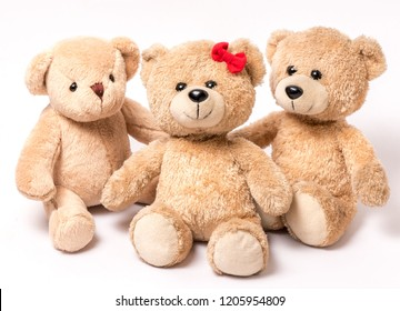 Cabinet eyes bear families separated by white background scenes.
