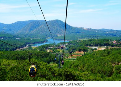 Cable car taking tourists from Da Lat to Tyen Lam Lake and Truc Lam Temple. Vietnam, Southeast Asia