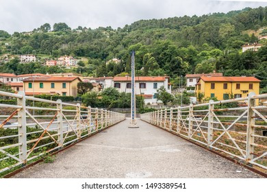 Cable-stayed bridge over the Vezza river - Seravezza