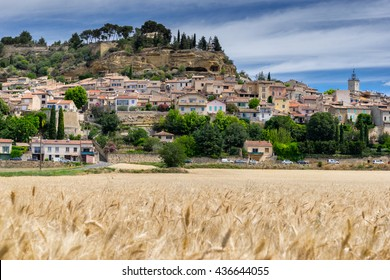 Cadenet hill top village in the Luberon