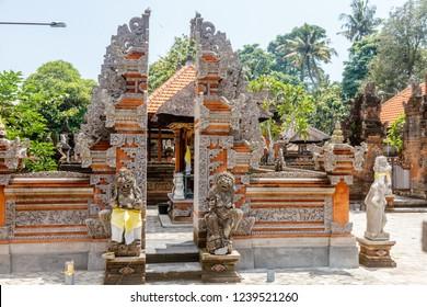 Cadi Bentar or split gates at Balinese Hindu temple Pura Dalem Suka Luwih, Batuan village, Kabupaten Gianyar, Bali, Indonesia