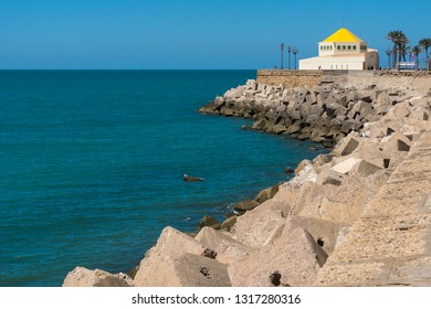 Cadiz,Spain-august 9, 2018:view of the Cadiz seafront promenade during a sunny day