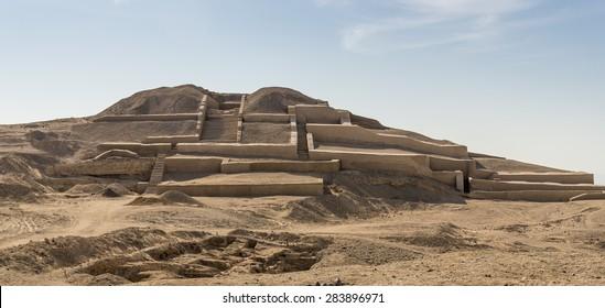 Cahuachi pyramid in Nazca, Peru