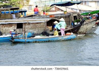 CAI RANG, VIETNAM - FEB 7, 2015 - Boat sells Watermelon  at the Cai Rang floating market,  Vietnam
