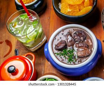 Caipirinha with feijoada