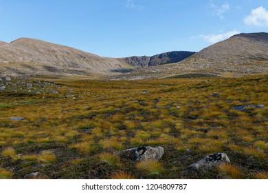 Cairngorm Ridges of Fiacaill a Choire Chais (1141M) and Fiacaill Coire an t-Sneachda with the cliffs of Stob Coire an t-Sneachda (1176M)Cairngorm Mountains, Scotland