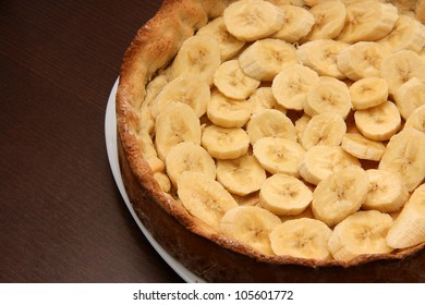 Cake with bananas