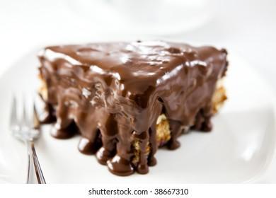 Cake with chocolate glaze