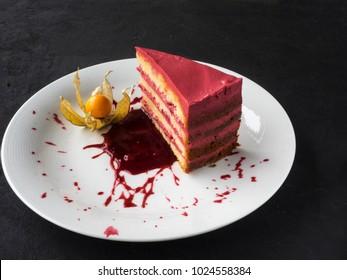 Cake with jellied fresh raspberry