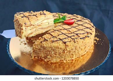 cake napoleon stuffed