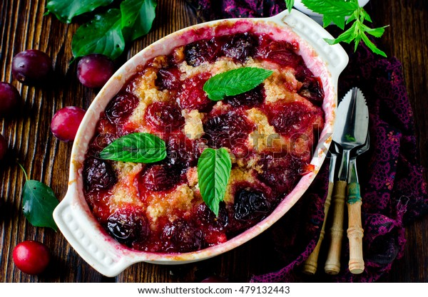 Cake with plums and caramel