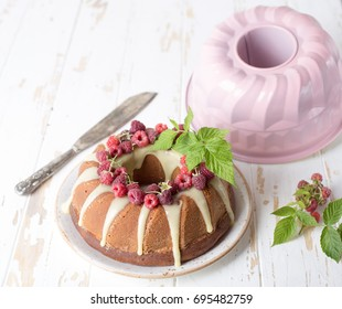 cake with raspberry and white chocolate