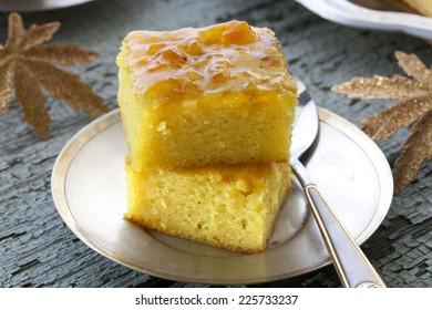 cake with semolina, turmeric and apricot jam