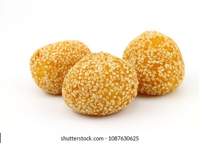 Cake Swan eggs sweet with sesame seeds