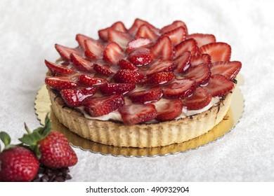 cake / white background