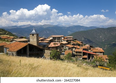 Cal Rill medieval villages in Pyrenees Mountains, near La Seu d'Urgell, Cataluna, and Ansovell, province of Lleida, off N-260 Road, Spain, Europe