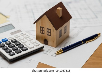 Calculating construction costs of a house