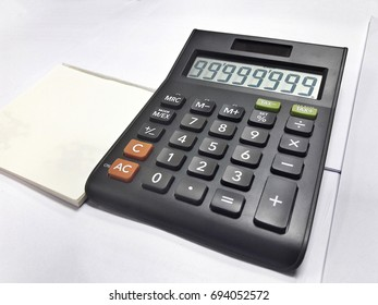 Calculator on table, device for calculating the numbers