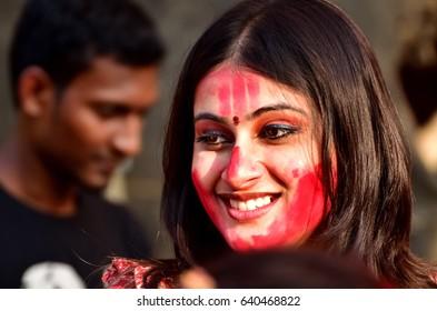 Calcutta, India. 24th September 2012. Bengali woman celebrate Durga puja festival. Sindur Khela in Durga puja festival