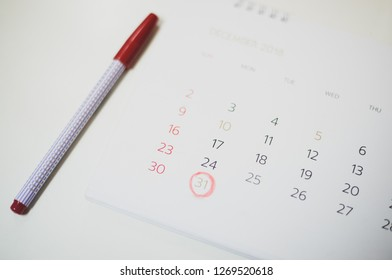 Calendar marking on last day of 2018.