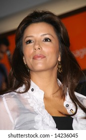 CALIFORNIA - 1 MARCH 2008: Eva Longoria accepts check from AT&T, benefitting Padres Contra El Cancer, held at the AT&T Burbank, CA Store