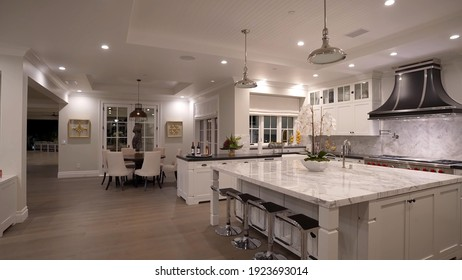 California, 24 February 2021: Luxurious And Bright Kitchen Interior With Elegant Furniture Inside Of Spacious Residential Mansion. Modern Concept For Interior Design And Architecture.