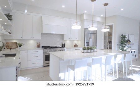 California, 27 February 2021: Luxurious And Bright Kitchen Interior With Elegant Furniture Inside Of Spacious Residential Mansion. Modern Concept For Interior Design And Architecture.
