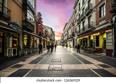 Calle Ancha, one of the most important streets of Leon, Castilla y Leon, Spain
