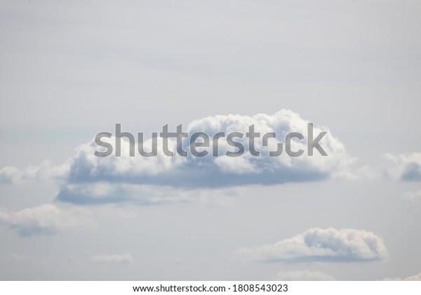 calm-sky-cumulus-clouds-stand-600w-18085