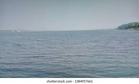 Calm water Dam hoto horizon