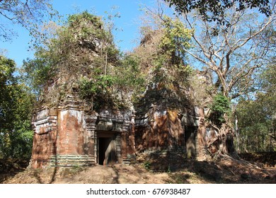 Cambodia. Koh Ker city. Prasat Pram. Preah Vihear Province. Siem Reap City.