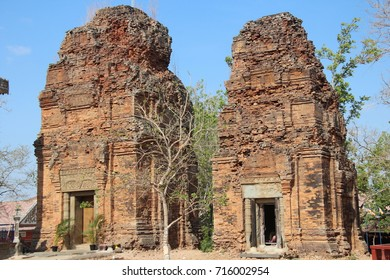 Cambodia. Neang Khmao temple. Ta Keo province. Phnom Penh Sity.