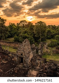 Cambodia, Siem Reap - Ruins of Angkor Wat - Sunset on the large circuit tour