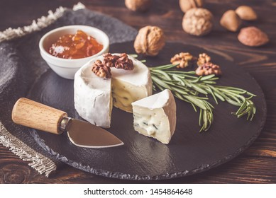 Cambozola cheese with rosemary, nuts and apritcot jam
