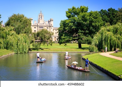CAMBRIDGE, ENGLAND - MAY 28, 2016. Trinity College, University of Cambridge. Punting on the River.