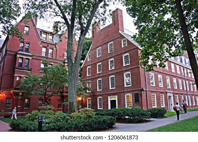 CAMBRIDGE, MA, USA - SEPTEMBER 11, 2014: Life in Harvard Yard, historic heart of the campus of Harvard University, in Spring in Cambridge.