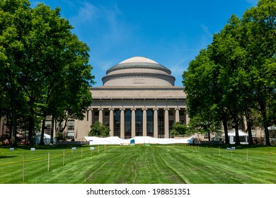 CAMBRIDGE, USA - MAY 30: The Great Dome of  Massachusetts Institute of Technology Cambridge on May 30, 2014. The dome's design was inspired by Columbia University's Low Memorial Library dome
