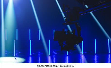Kamera und Kran auf Set