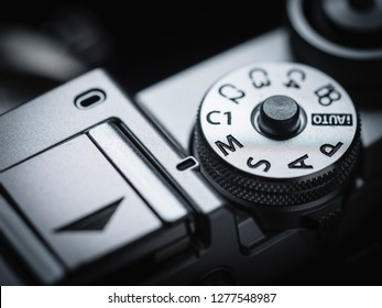 camera knob ring mode P M S A Av Tv lens focal length exposure compensation in macro and close up shot photo manual mode dial ring