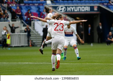 Camille Abily, Lucy Bronze, Eugenie Le Sommer to OL during UEFA Women's Champions League semi final match Olympique Lyonnais vs Manchester City 5,29,2018 Groupama stadium Décines-Charpieu Lyon France