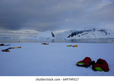 Camping on the 7th continent: the sun doesn't quite set on the Antarctic Peninsula this late in December (2016).