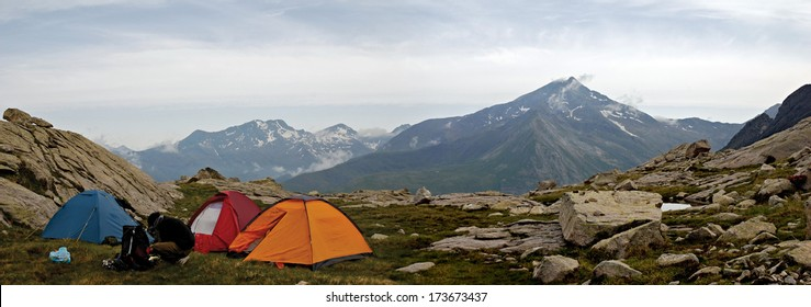 Camping in the Pyrenees - Spain